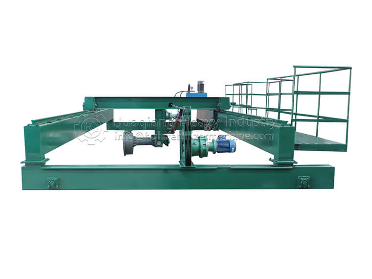 Double Screws Compost Turning Machine